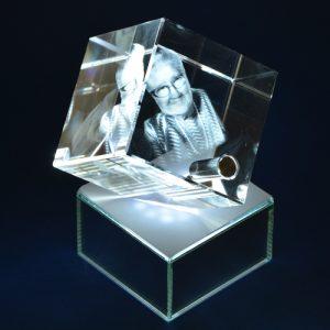 Laserline-Würfel mit LED Sockel