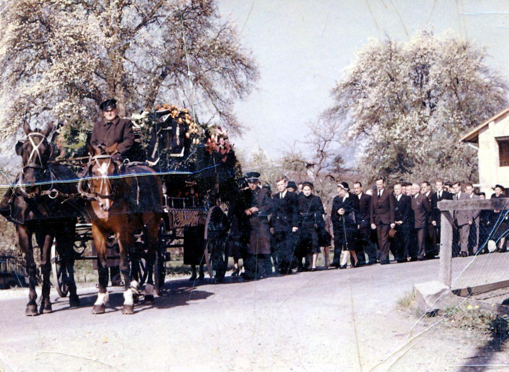 Feistenauer-Bestattungszug früher